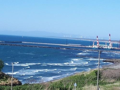 小/新庁舎から見る津軽港