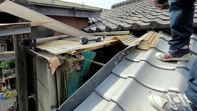 roof repairing (2)