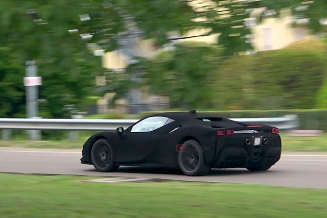 Ferrari-SF90ブラックカモフラージュ 2021-5-15
