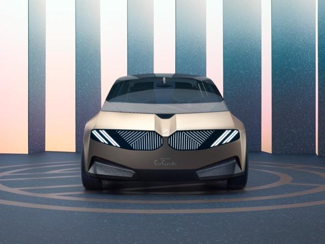 BMWiビジョンサーキュラー9 2021-9-6