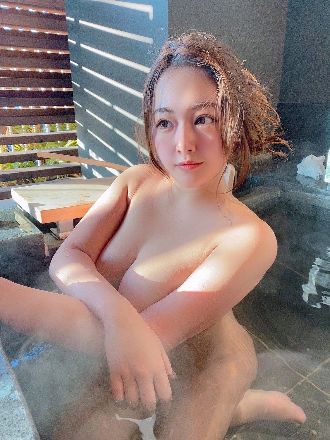 akiyama_kaho209.jpg