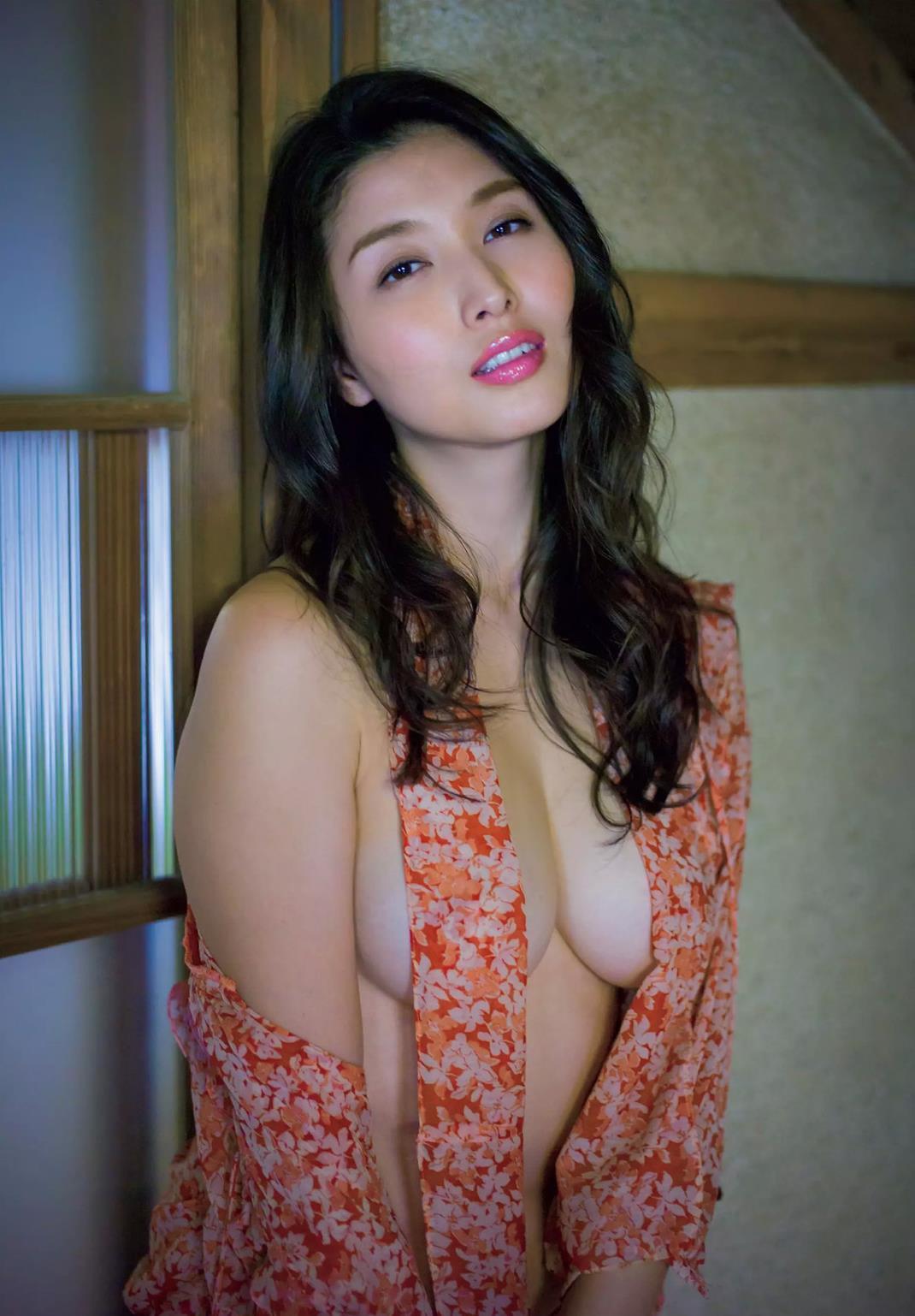 hashimoto_manami214.jpg
