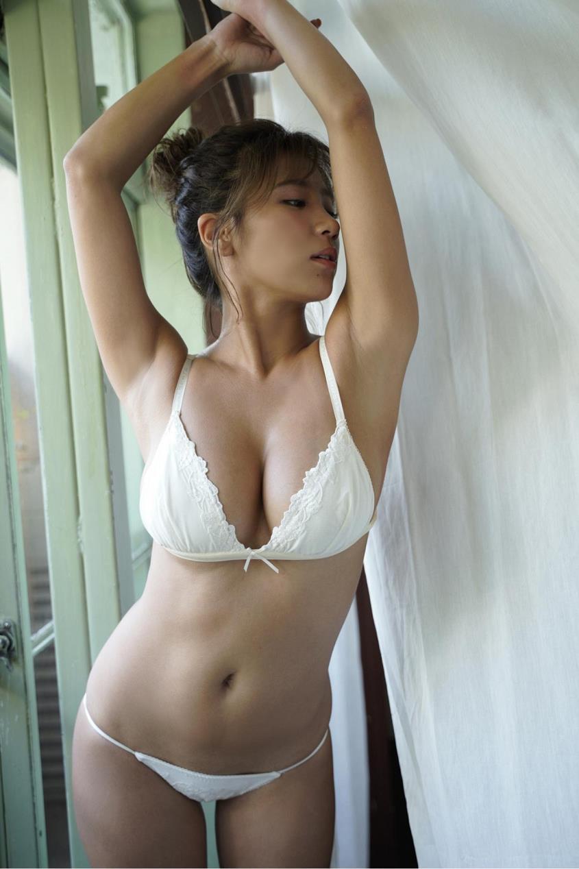 hazuki_aya239.jpg