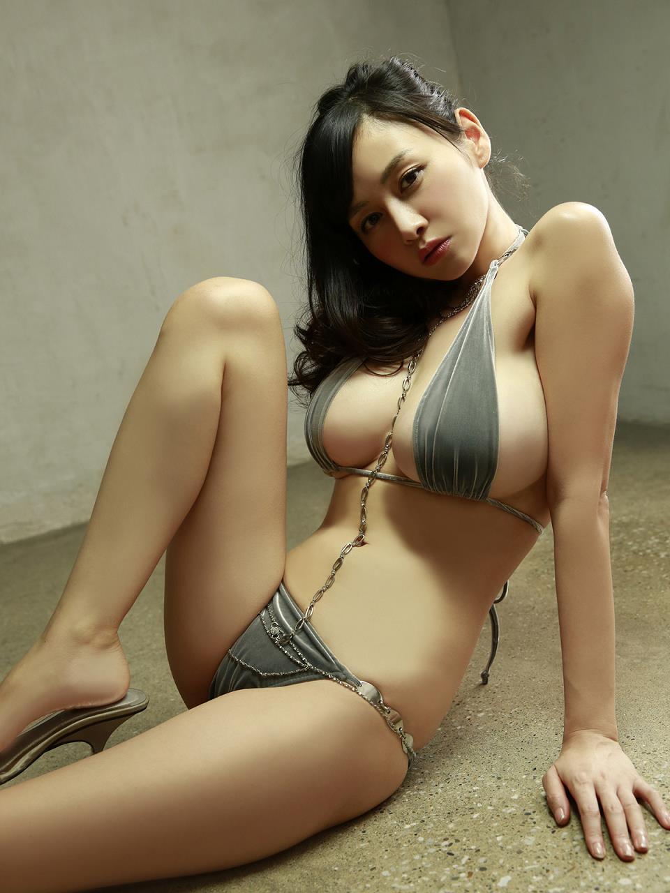 sugihara_anri335.jpg