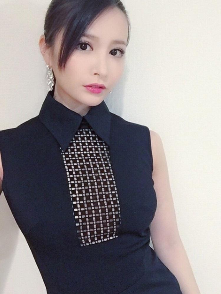 yoshimi_iyo247.jpg