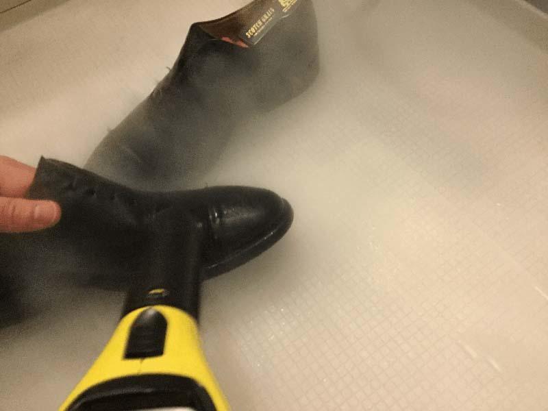スチームを使った革靴の丸洗い