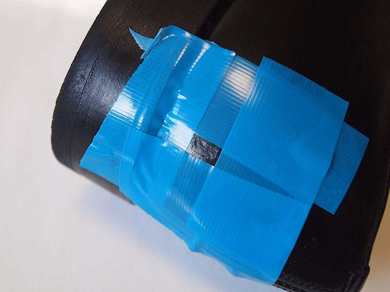 サンドペーパーで均す前再度養生テープで保護