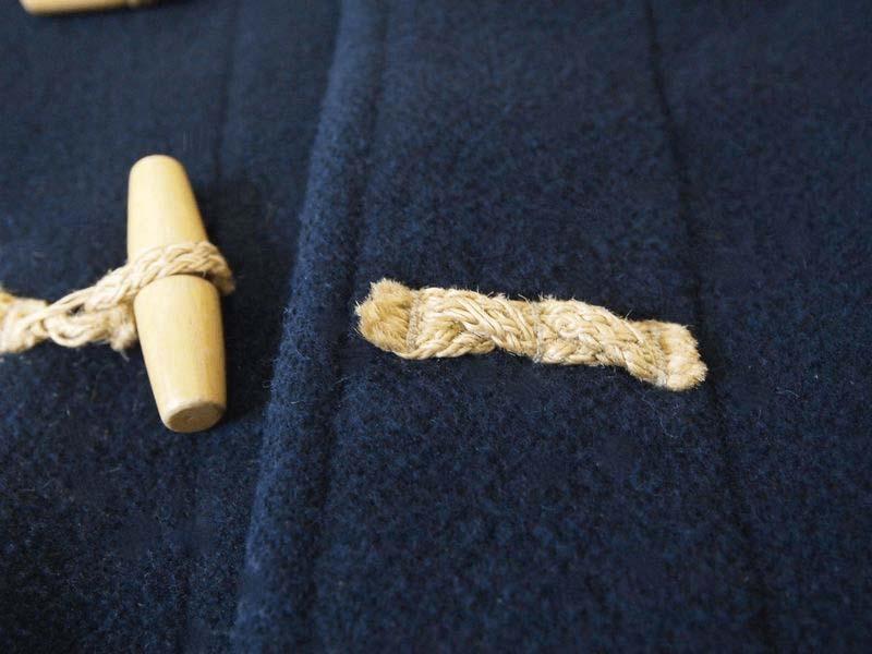 【リペア】ダッフルコート(グローバーオール)の麻紐(トグルボタン)が切れたので修理をした|ママのリフォーム
