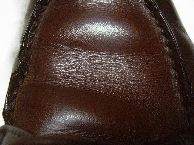 靴磨きと乾拭き