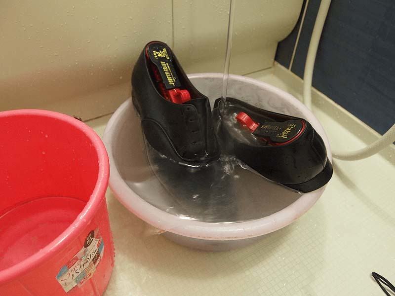 革靴の丸洗い2