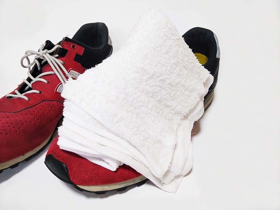 【超簡単】スニーカーの汚れの落とし方|蒸しタオルでニューバランス(スエード)を綺麗にする方法