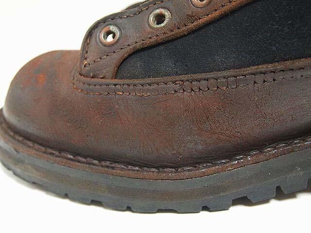 ひび割れたダナーのブーツの銀面を削って修理②|クラック リペア