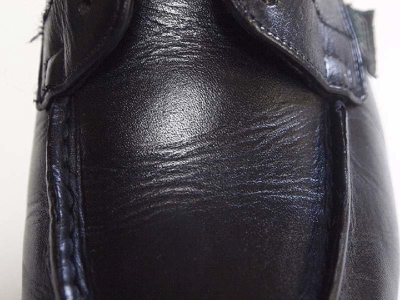 革靴の丸洗い_甲(サドルソープ不使用)写真1