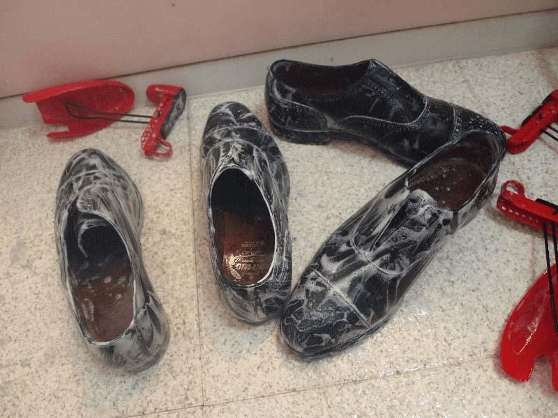 ひび割れさせない革靴の洗い方手順4