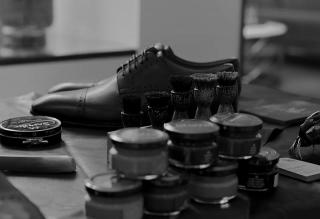 ま、まだ靴磨きで消耗してるの?