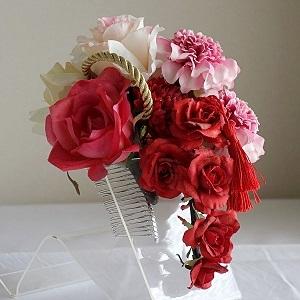和装髪飾り・ピンクダリアと5種類のローズとマムと紐とタッセル