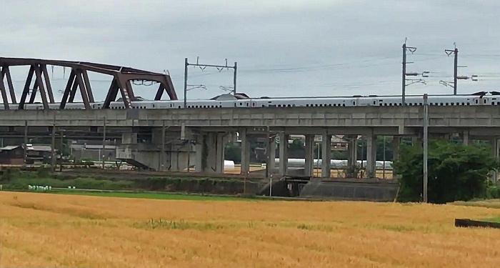 麦秋新幹線