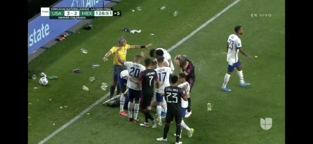 México fans showing their true colors by throwing trash onto the pitch
