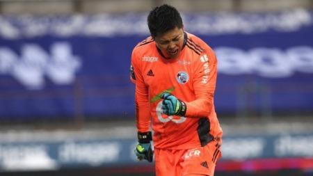 Japan international goalkeeper Eiji Kawashima extended 2 seasons with the RCS