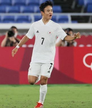 Japan [1] - 0 France Take Kubo goal