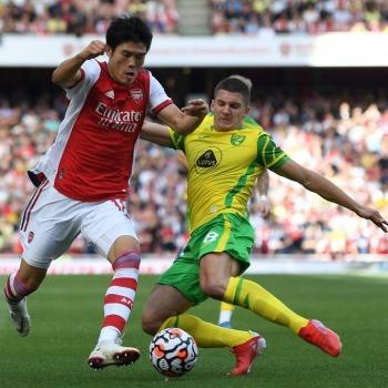 Arsenal Debut action for Tomiyasu