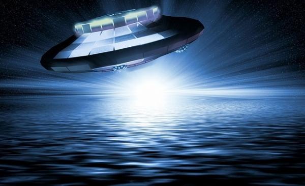 ufo-1999504_640_20210527050940802.jpg