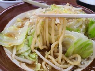 東横駅南 野菜味噌ラーメン 麺