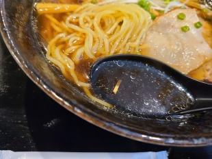 喜上 生姜醤油ラーメン スープ
