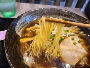 喜上 生姜醤油ラーメン 麺