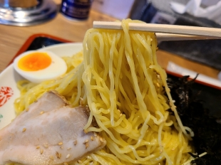 浦咲新潟東 焼アゴ塩つけ麺 麺