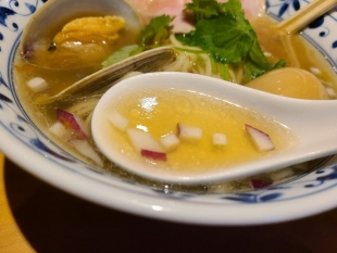 さらい 貝出汁ラーメン スープ