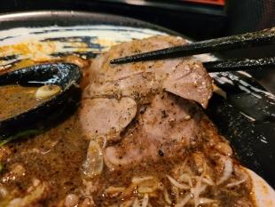担熊 担々麺黒 チャーシュー