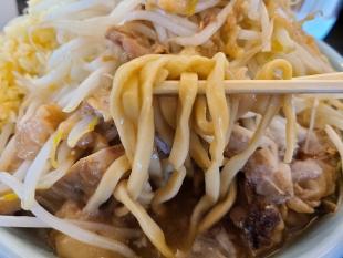 弐豚 豚ソバ全マシ 麺