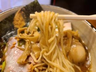 KUBORABO ガーリック魚介白湯そば 麺