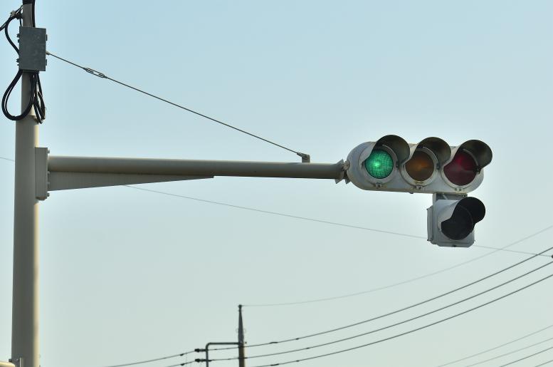 【日本信号?】赤だけ300mm+アルミ矢印 【群馬県高崎市・寺尾町付近】