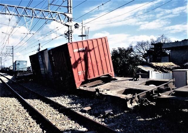 s-③貨物列車
