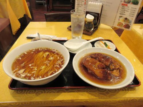 特製豚足麺