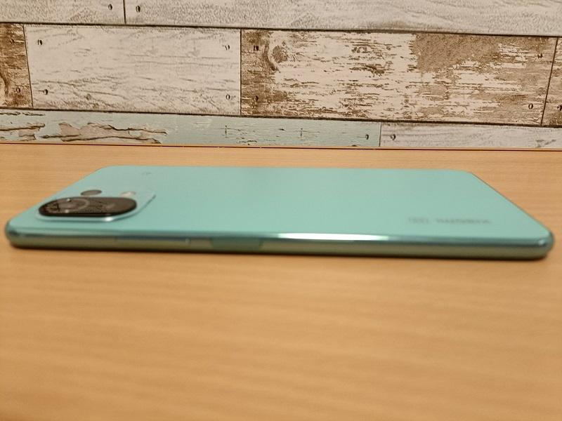 「Xiaomi Mi11 Lite 5G」ミントグリーン