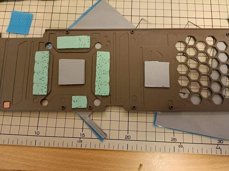 RTX3080のバックパネルにサーマルパッド追加