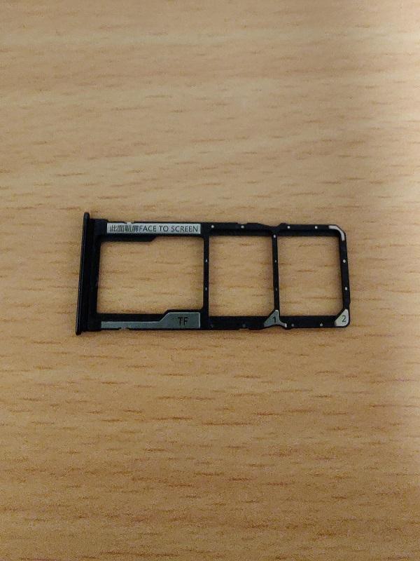 「Xiaomi Redmi Note10 Pro」のSIMスロット