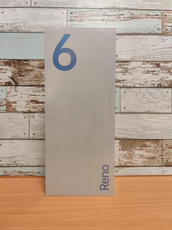 「Oppo Reno6 Pro」外箱