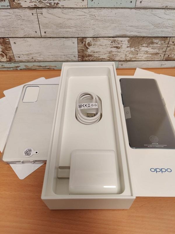 「Oppo Reno6 Pro」同梱物
