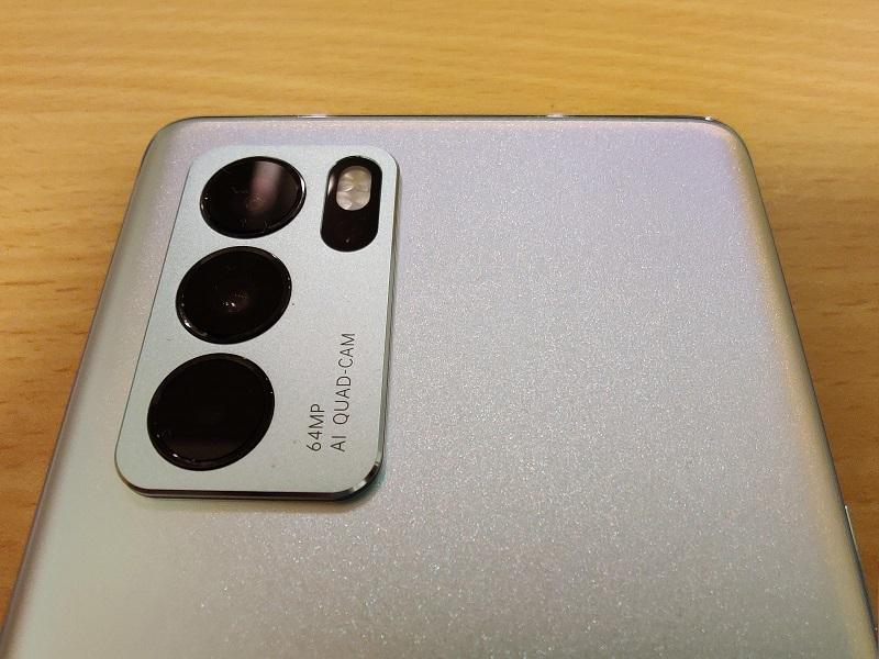 「Oppo Reno6 Pro」のカメラ